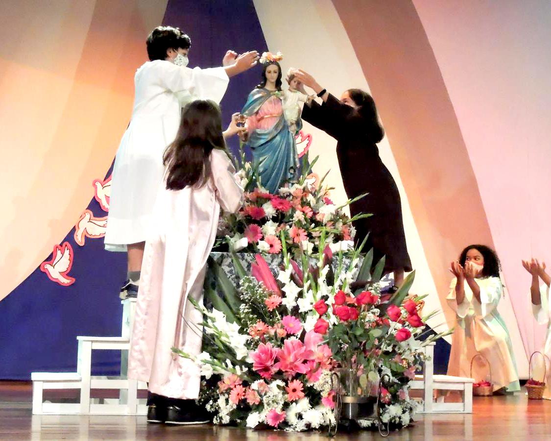 Coroação - Nossa Senhora Auxiliadora